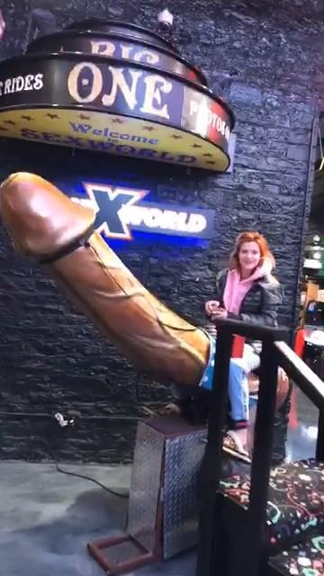 Bella Thorne Sexy (4 Pics + Gifs & Video)