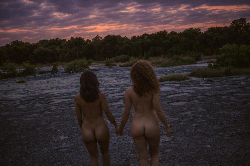 Dora Madison Burge Naked (5 Photos)