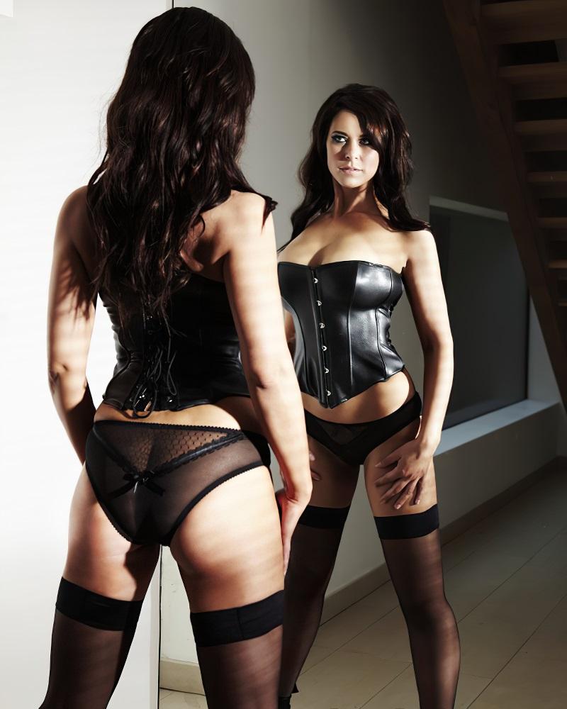 Belinda Stewart Wilson sexy