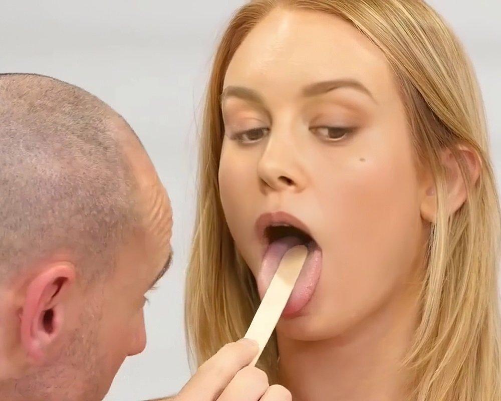Brie Larson Corona