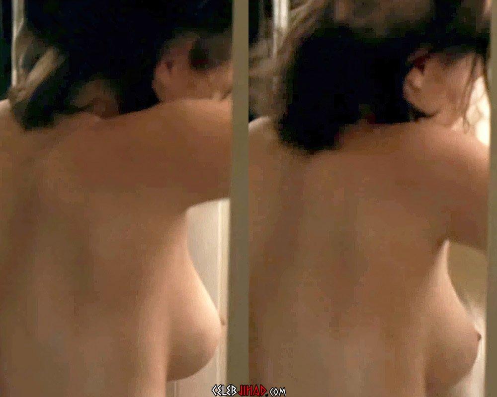 Elizabeth Olsen topless nude