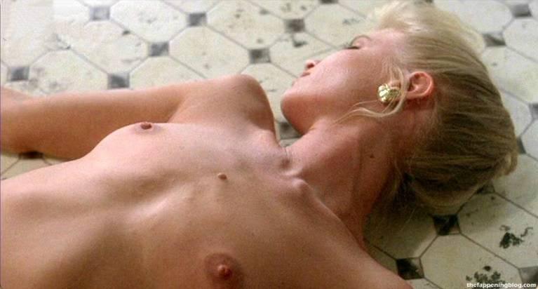 Liza Goddard  nackt